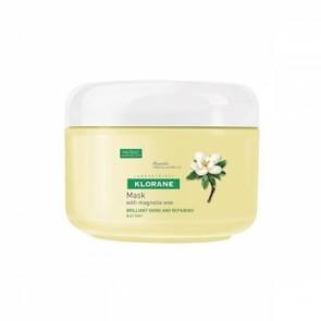 Devuelve el brillo del cabello apagado gracias a la combinación de la cera de magnolia y el complejo activador del brillo, además de hidratarlo y reconstruirlo.